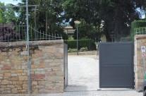 Erstellung einer Zufahrtsrampe und Parkplätzen in einer Parkanlage